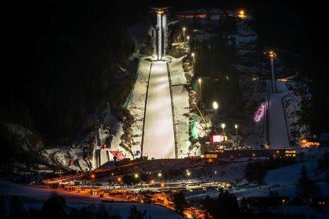 VM: Vikersund skal arrangere VM i skiflyging i 2022. Hvilke dato det blir får de først vite i forbindelse med en kongress som Det Internasjonale skiforbundet (FIS) arrangerer i Thailand midt i mai i år.