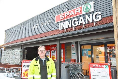 MANGE HAR DRATT: Ole Gunnar Varsla forteller at mange i dag har reist fra hyttene. – De tok nok oppfordringen da den andre meldingen kom.