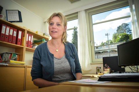 HAR KONTROLL: Foreløpig har helse-og sosialsjef i Sigdal, Linda Torgersen kontroll. Men de rigger seg for at situasjonen blir mye vanskeligere lokalt.