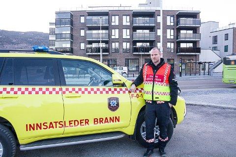 TILSYN: Øyvind Brandtenborg, varabrannsjef i Modum, understreket i februar at brannvesenet i Modum hverken har tilgang til stigebil eller lift som kan brukes til blant annet evakuering av Fjordbyen.