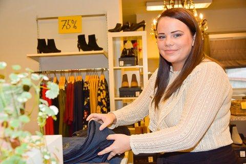 ÅPNER BUTIKK: Kjersti Eriksen (30) gjenåpner butikken Wilhelmines tirsdag. Hun og samboeren Pål Inge Ryen har overtatt driften etter Linda Røed som solgte butikken tidligere i år.