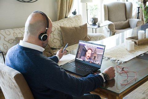 SKJERMMØTE: George Thomassen, direktør på Tyrifjord Hotell, hadde nettmøte med kronprins Haakon tirsdag morgen.