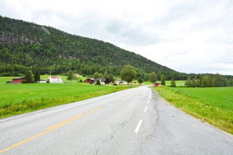 FYLKESVEI 287: Gjennom hele våren, sommeren og høsten vil Sigdalsveien være stengt for gjennomkjøring på et eller annet punkt  på strekningen Hørja bru og Båsheim i ukedagene. I helgene blir det åpent.