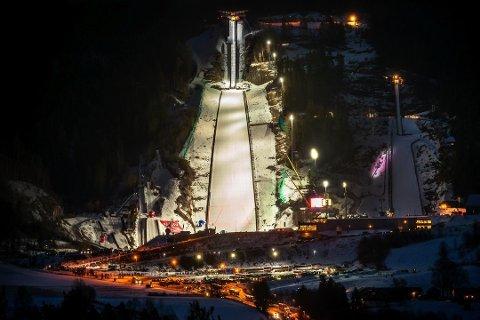 EI UKE MED SKIFLYGING: Uke 10 i 2020 kan bli historisk for Vikersund. Da er det foreslått at både Raw Air-finalen og VM i skiflyging skal avvikles.