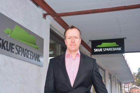 BILLIG Å LÅNE: Adm. banksjef i Skue Sparebank sier at det vil bli tilnærmet gratis å låne penger i lang tid framover.