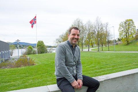 SKOLENE ÅPNER: – Vi gleder oss ordentlig, sier undervisningssjef Per Kvaale Caspersen i Modum.