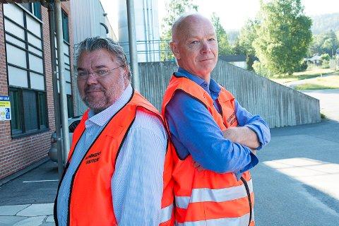 RYGG MOT RYGG: – Vi står rygg mot rygg i denne saken, sier Morten Wold og Per Olaf Lundteigen. Begge er kritiske til prosessen rundt nedleggelsen.