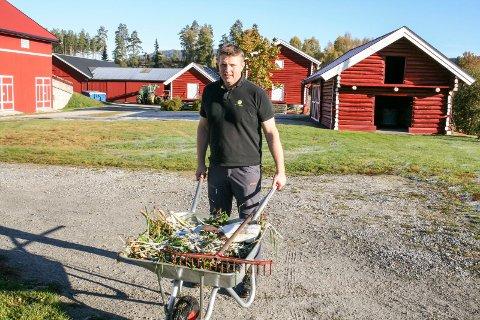 VARSLER OMKAMP: – Renovasjonsordningen må ut på anbud, slik kommunestyret tidligere har bestemt, tordner Torstein Aasen i bygdelista i Sigdal.