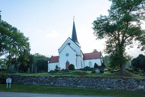 BRANNTILSYN: Kirkene i Modum har hatt branntilsyn og får særlig påpakning for rømningsveiene. Kirkevergen sier at de i praksis har innført de tiltakene som varabrannsjefen foreslår, men at det nå er et annet fokus på dokumentasjon.