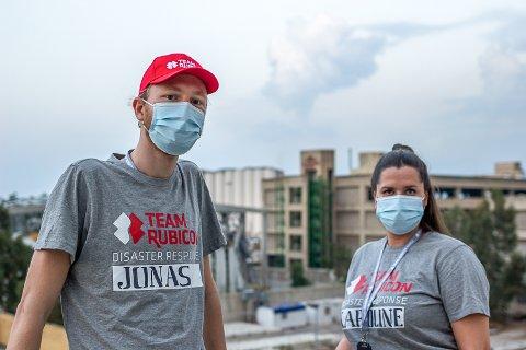 FØRSTE STORKONTRAKTEN: Jonas Aakenes (f.v.) og Karoline Saastad driver selskapet WAID. Her fra deres første storskalaprosjekt i Beirut.