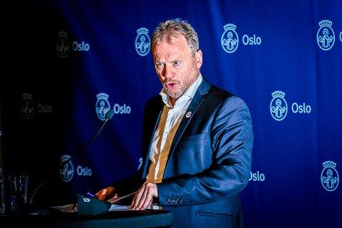 GALSKAP: Oslos byrådsleder Raymond Johansen, mener det vil være galskap å arrangere Kollen-rennene i mars.