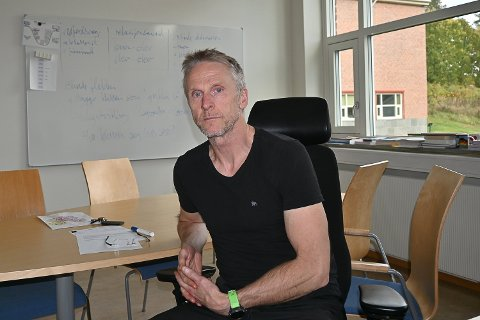 TESTING: Rektor Ståle Bråthen ved NMU har i kveld sendt ut melding til samtlige foreldre om et større smitteutbrudd av korona ved skolen.