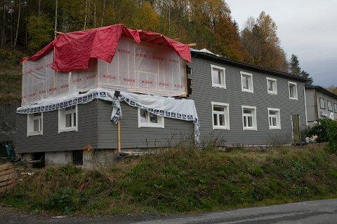 REHABILITERES: Eiendommen Verksveien 10 i Skotselv skal bygges om til å romme fire utleieleiligheter.