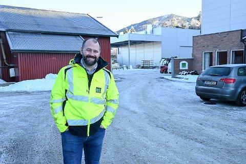 SPENSTIG MÅL: – Går alt etter planen vil vi i 2025 leie ut maskiner, biler og utstyr for to milliarder kroner, sier Lars Hæhre, konsernsjef i Rental Group AS.