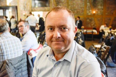 FRA BANK TIL HYTTE: Espen Tangerud (43) fra Geithus går fra lederjobb i SpareBank1 Modum til Saltdalshytta, der han skal være salgs-og markedssjef.