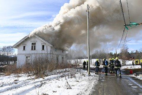 SYNLIG RØYK: Brannvesenet skal øve på husbrann i Eggedal, da kan det bli synlig røyk på lang avstand.