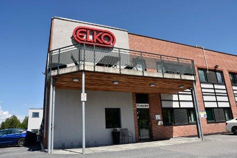 SKAL LEGGES NED: Elkos fabrikk i Åmot skal legges ned. Nå har selskapet fått unntak fra innreisenekten for å starte demonteringen av maskinparken.