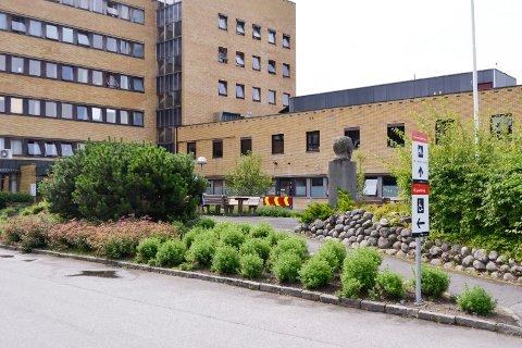 NYTT DØDSFALL: Ringerike sykehus har hatt totalt seks koronadødsfall.