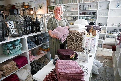 SELGER UT: Anne Marie Trulsrud slutter med boligstyling og selger ut smått og stort av interiørartikler - men hun fortsetter som interiørkonsulent.