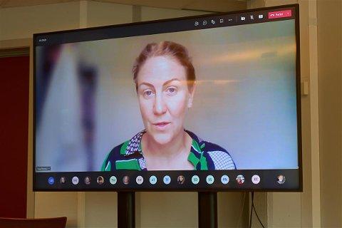 STERKE OPPLEVELSER: Tonje Brenna fortalte om sin opplevelse av å være på Utøya. – Det går bra med meg i dag, men jeg lever med 22. juli hver eneste dag, sier hun.