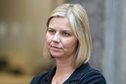 VIKTIG: Kunnskaps- og integreringsminister Guri Melby vil prioritere lærere og barnehageansatte i vaksinekøen. – Det er viktig at vi får en så tilnærmet normal og god start som mulig, sier hun.