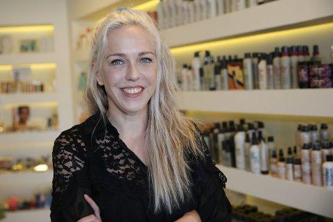 15 KJAPPE: Linn Eggen er frisør med tilhold i Finess Hårstudio i Åmot.