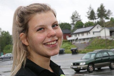 15 KJAPPE: Karoline Nikkerud er både student, hun jobber på kafe og i hjemmesykepleien.