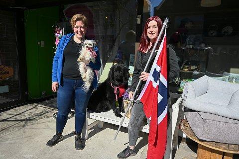 VANT: Lena Evje Andersen og Tonje Andersen fikk flest stemmer i forbindelse med kampanjen «Modum i rødt, hvitt og blått».