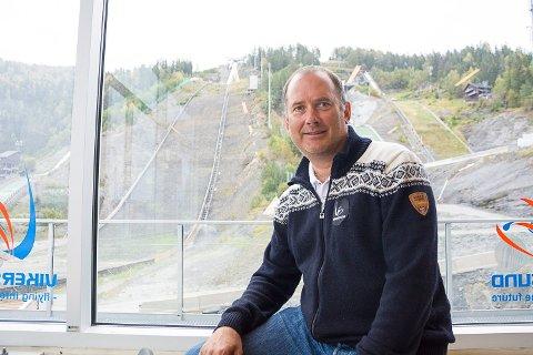 MÅ TA SLUTT: Skiflygingspresident Leif Arne Berget mener konflikten mellom Norges Skiforbund og Clas Brede Bråthen må ta slutt raskt, for ikke å skade hoppsporten og VM i skiflyging i Vikersund i mars.