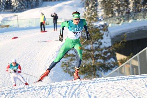 IKKE OPTIMALT: Stian Grastveit (20) liker best å gå renn når gradene kryper ned mot minus 20. – Det er meldt rundt null grader i Tromsø under NM-helga. Det ligger godt med snø og jeg har fått forberedt meg godt, men jeg håper ennå på noen flere kuldegrader, sier han. Grastveit ser mest fram til å delta i morgendagens 15 kilometer klassisk og i søndagens stafett.