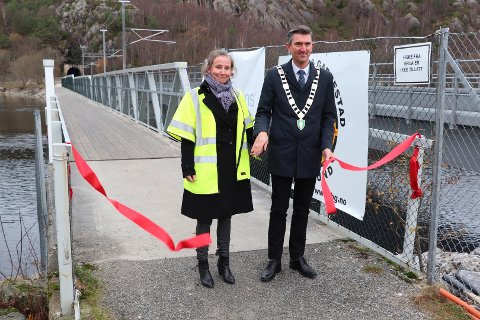Bane Nors konserndirektør for infrastruktur Vibeke Aarnes sto for åpningen av de nye broene ved Launes, sammen med Eigersunds ordfører Odd Stangeland.