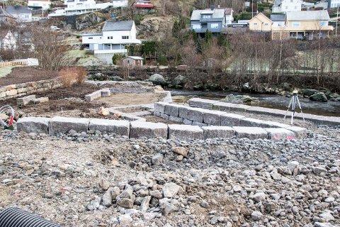 """DET SVINGER: Den delen av elveparken som kalles """"Skomakersvingen"""" begynner å ta form."""