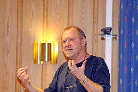 Karl Gjedrem er bekymret for foreslåtte kutt i bjerkreimskolen.