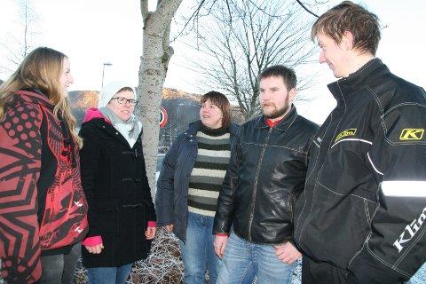 Olaug Moi (t.v.), Suzanne Ulfsten Tengesdal, Bente Gro Milwertz Slettebø, Ivar Tore Hetland Storhaug og Einar Samslått er alle elevar ved Vinterlandbruksskulen på Jæren.