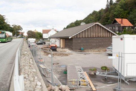 Rikets sal i Årstaddalen blir pusset opp. Menigheten i Egersund teller 74 forkynnere, som medlemmene i Jehovas Vitner kalles.