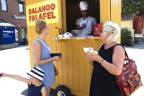 FIKK AVSLAG: Rastegar Rostami ønsket å selge falafel på torget etter klokka sju på kvelden. Kommunen ga blankt avslag.