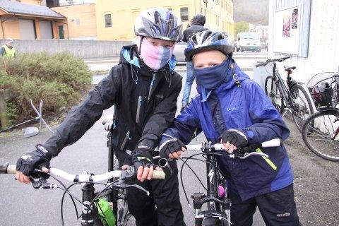 Fra ventre: Sander Strøm Sivertsen (8) og William Lomeland Christensen (10)