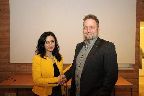 STÅR PÅ LISTA: Hadia Tajik topper lista i Rogaland, mens Frank Toks står som nummer 12. Bildet ble tatt da Toks ble valgt til leder for Sokndal Arbeiderparti.