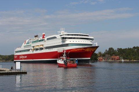 HALV KAPASITET: Fjord Line seiler for tiden med 50 til 60 prosent av kapasiteten, for å kunne opprettholde den nødvendige avstanden mellom passasjerene.