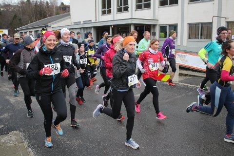 MÅ VENTA TIL 2022: I fjor stilte til saman 240 løparar til start på Egersund halvmaraton og Egersundsmila. Hadde det blitt løp i år med uavgrensa påmelding, ville sannsynlegvis deltakarrekorden blitt slått. Men på grunn av gjeldande koronarestriksjonar er det nå bestemt at løpet, som var planlagt laurdag 6. mars, blir avlyst.