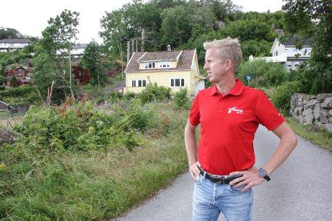VENTETID: Helge Åse, daglig leder i Norgeshus Egersund, ble nødt til å sette et byggeprosjekt på vent i to måneder mens de ventet på å få sine faste innleide ansatte fra Lituaen til landet.