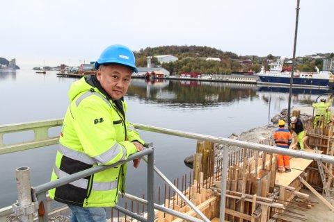 STOR TILHENGER: Øyvind Espeland i Espeland AS har stor tro Fonn sitt restaurantprosjekt; med tanke på arbeidsplasser, tilbud til innbyggerne, som tilskudd til aktivitet i byen og bevaring av fiskeritradisjonen lokalt. – Vi synes det er et kjempeinitiativ fra Fonn. Det er absolutt på sin plass, sier han.