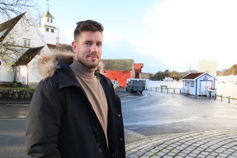 KLARE RÅD: Kommunalsjef Arvid Røyneberg er den som uttaler seg om Fonn-restauranten på vegne av kommunen. Han har merket seg at mange er positive til planene her lokalt. – Det ikke sikkert at størrelsen, plasseringen og utformingen av lekteren vil framstå som et like stort problem når det er utarbeidet gode visualiseringer, påpeker Røyneberg.