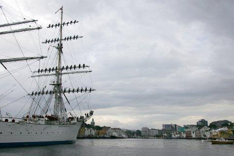 """SIREVÅG FÅR STORFINT BESØK: I august kommer """"Statsraad Lemkuhl"""" og NRK til havna lengst sør i Hå. Bildet er fra et tidligere besøk i Stavanger."""