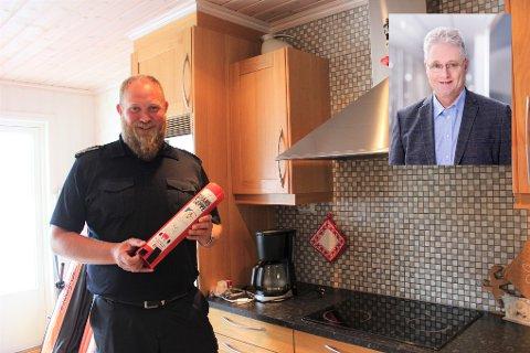 KOMFYRVAKT: Både Otto Leidland i brannvesenet og Bjørn Carlsen meiner at det er viktig med komfyrvakt.