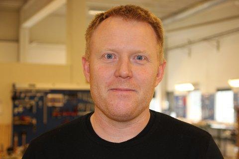 FORANDRING FRYDAR: Kristian Mjølhus ønskte å prøva noko nytt på jobbfronten. Nå har han bak seg tre månader i bjerkreimsbedrifta VVS Prefab AS.