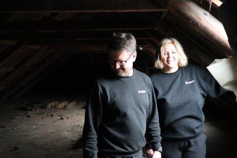 KOMPLISERT OPERASJON: Kolbjørn Rogstad og Gro Seglem Skjelbred har mange brikker å passe på under oppussingen av HE Seglems bygninger i Egersund sentrum.