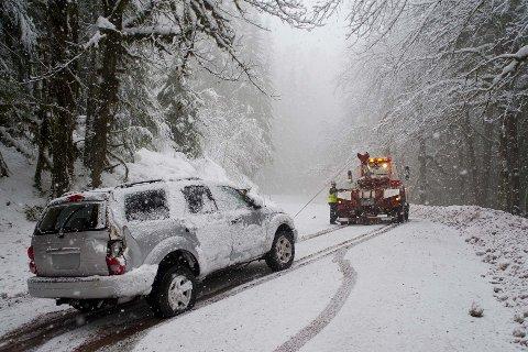 SNØ I APRIL: Snøen som har kome dei siste dagane, har gitt Egersund Bilberging mange oppdrag. Biletet er eit illustrasjonsfoto.