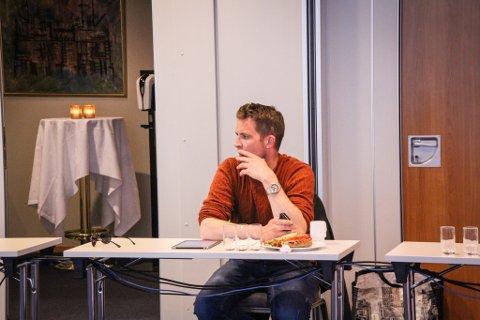 FEKK IKKJE MEDHALD: Morten Øglend (Frp) fekk bare si eiga stemme for forslaget sitt i det ekstraordinære møtet i klagenemnda for eigedomsskatt tysdag ettermiddag. Det handla om lovlegheita til møtet som nemnda heldt mot hans vilje 8. april.