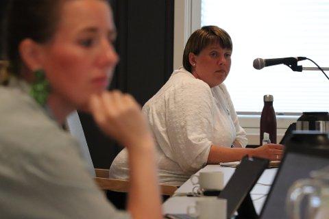 ENIGE: Ane Fuglestad Skutlaberg (KrF) og Bente Gro M. Slettebø (Sp) hadde begge lovord om planene for Hetlandsskogen.